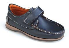 Naútico de piel con velcro para niño, un clásico que queda bien en todas las ocasiones. Roly Poly Shoes & Boots.