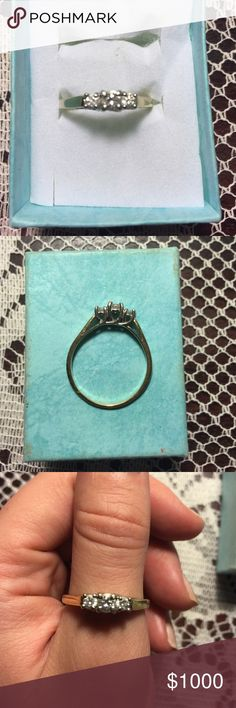 Kay Jewelers 3 piece diamond engagement ring Kay Jewelers 14 karat gold with 3 diamonds. No papers. 3 diamonds- past, present, and future!❤️❤️❤️❤️😘 this is an amazing piece. Size 9. No flaws. Kay Jewelers Jewelry Rings