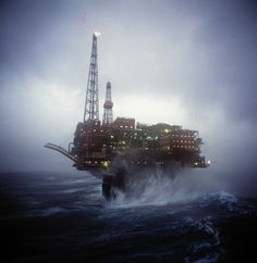 North Sea oil platform downmanned after gas leak Oil Rig Jobs, Oilfield Trash, Oilfield Wife, Petroleum Engineering, Oil Refinery, Drilling Rig, Oil Industry, Tug Boats, North Sea