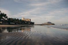 Buenos días vacaciones.    20 de mayo 2015.  Mazatlán Sinaloa.    #beach #reflection #water #mazatlan #travel