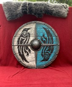 Hand painted and battleworn authentic Raven shield from Valhalla- Eivor Shield Axe Tattoo, Shield Tattoo, Viking Raven, Viking Art, Viking Sheild, Viking Shield Design, Vikings, Valhalla, Viking Cosplay
