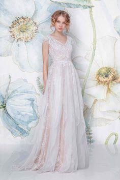 CHANA I Sadoni Bridal 2018 - Bohemian weddingdress in silk chiffon and beaded lace; a two piece outfit with CARA satin slip in nude or creme - www.sadoni.no
