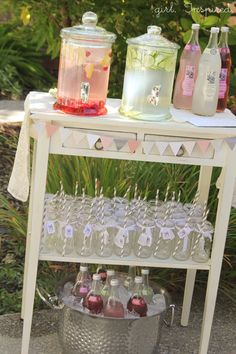 Wonderland Baby Shower Beverage Station for a party. Baby Shower, or wedding shower. Love the small banner.Beverage Station for a party. Baby Shower, or wedding shower. Love the small banner. Baby Shower Drinks, Baby Shower Parties, Girl Baby Showers, Baby Shower Table Set Up, Baby Shower Food For Girl, Baby Shower Deco, Tea Party Bridal Shower, Non Alcoholic Drinks For Baby Shower, Baby Shower Desert Table