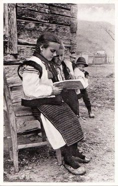 Scholars Vintage Pictures, Old Pictures, Old Photos, Xenia, Military History, Life Images, Historical Photos, Romania, Ukraine