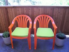 Girl Moves to Portland: DIY before and after: Patio Chairs Plastic Patio Furniture, Plastic Patio Chairs, Spray Paint Plastic, Painting Plastic, Moving To Portland, Deck Decorating, Outdoor Projects, Patio Ideas, Furniture Making