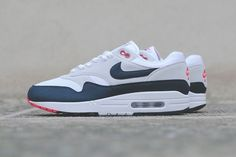 """Nike's Air Max 1 OG """"Obsidian"""" Gets a Release Date"""