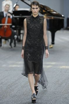 Erdem RTW Spring 2014 - Slideshow - Runway, Fashion Week, Reviews and Slideshows - WWD.com