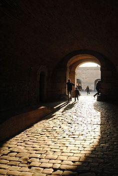 street passage (dailydoseofstuf)