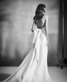 Even without the black and drama, brings sexy back with this bow-licious beauty! Wedding Looks, Dream Wedding, Gowns For Rent, Dress Alterations, Bridesmaid Dresses, Wedding Dresses, Dream Dress, Bridal Collection, Wedding Bells