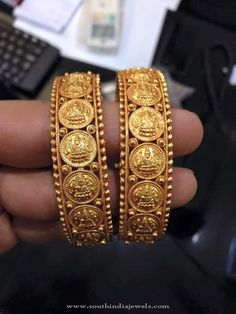 22K Gold Coin Bangles Designs, Gold Antique Coin Bangles, Gold Antique Bangles Catalogue.