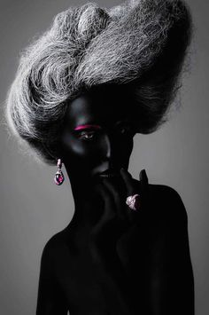 Conceptual Beauty Looks - Makeup Artist Veronica Azaryan Creates Imaginative Alien Appearances