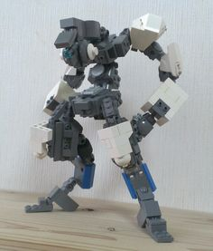 Love the posture and disposition of this frame Lego Mechs, Lego Bionicle, Awesome Lego, Cool Lego, Lego Structures, Lego Bots, Sci Fi Rpg, Lego Machines, Lego Army
