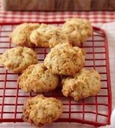 tot Biscuit Bar, Biscuit Recipe, 21st Bday Cake, Cinnabon Cinnamon Rolls, Food Art For Kids, Meringue, Cake Cookies, Scones, Biscuits
