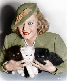 Celebrities with Cats: Jean Harlow Jean Harlow, Classic Hollywood, Old Hollywood, Golden Age Of Hollywood, Hollywood Icons, Milla Jovovich, Crazy Cat Lady, Crazy Cats, I Love Cats
