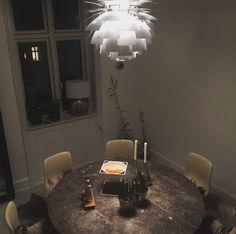 Spisebord fra Poul Kjærholm