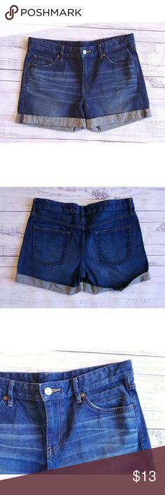Uniqlo denim shorts Lightly worn 16.5 inch waist while laying flat  9 inch rise  4 inch inseam Uniqlo Shorts Jean Shorts
