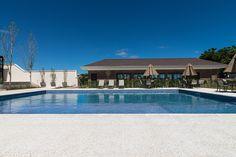 Perfeito para sua piscina. Leve o oceano para a sua casa!  Pacific Branco - Arq…