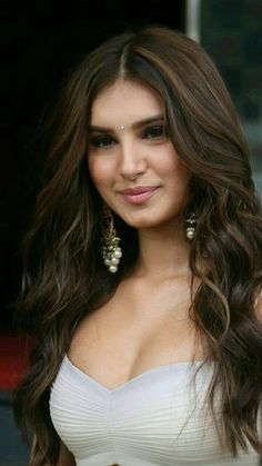 In addition to crowning you with trendy tresses, multiple long layers add substantial volume to your hair making it appear healthy, thick and stylish Indian Bollywood Actress, Bollywood Girls, Beautiful Bollywood Actress, Beautiful Actresses, Indian Actresses, Bollywood Saree, Bollywood Fashion, Beautiful Girl Indian, Most Beautiful Indian Actress