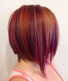 Since bob hairstyles gain popularity through time, women begin to seek for new haircuts and style to update their looks. Inverted bob haircut has been in hair. Plum Hair, Inverted Bob Hairstyles, Corte Bob, Bob Haircuts For Women, Latest Haircuts, Popular Haircuts, Fall Hair Colors, Hair Affair, Hair Today