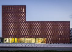 Kahan red sandstone facade - Katowice Scientific Information Centre and Academic Library by HS99