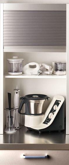 Busca imágenes de Cocinas de estilo moderno en : Módulo persianero para pequeño electrodoméstico. Encuentra las mejores fotos para inspirarte y crea tu hogar perfecto.