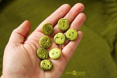 Sometimes a technique doesn't go as planned. And sometimes you press on anyway, and end up with something different but better! Here's how I made my green rustic buttons.