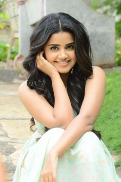 Cute anupama sp3 South Indian Actress, Beautiful Indian Actress, Beautiful Actresses, Beautiful Women, Anupama Parameswaran, Stylish Girl Images, Indian Beauty Saree, Models, India Beauty