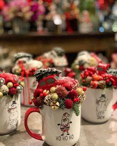 Christmas On A Budget, Christmas Mood, Noel Christmas, Christmas Design, Handmade Christmas, Christmas Wreaths, Christmas Crafts, Xmas, Christmas Ornaments
