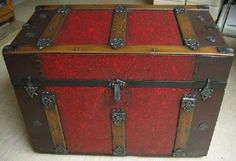 Antique Trunk Restoration Antique Trunks, Old Trunks, Vintage Trunks, Trunks And Chests, Antique Boxes, Vintage Suitcases, Vintage Luggage, Pipe Furniture, Antique Furniture