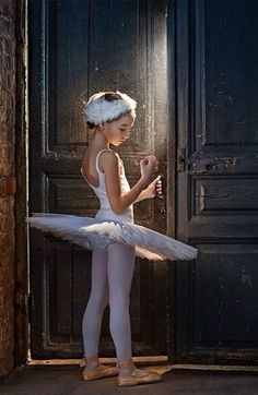 Little Odette. She should not be on pointe though.