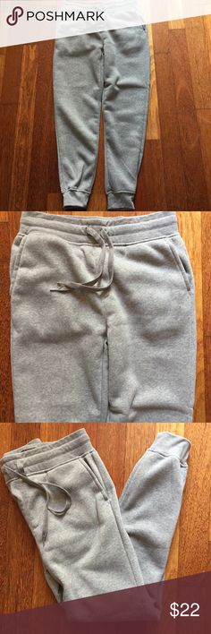 """Men's gray fleece joggers Med SWITCH Remarkable NWOT never worn men's gray fleece joggers size medium. SWITCH Remarkable cotton Poly blend. Two front pockets and drawstring waist. Inseam of leg is approx 29"""" waist laying flat 15.5"""" nice and soft from a smoke free home, SWITCH Remarkable  Pants Sweatpants & Joggers"""