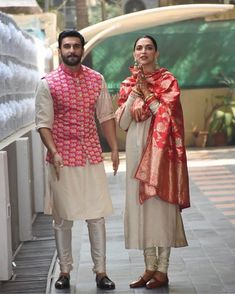 arrived in Mumbai twinning from head to toe! Literally - see how they're wearing the same hues and even the same shoes! Wedding Kurta For Men, Wedding Dresses Men Indian, Wedding Dress Men, Wedding Suits, Blazer For Men Wedding, Wedding Shoot, Mens Indian Wear, Indian Groom Wear, Indian Men Fashion