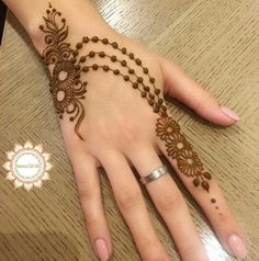 Reverse Hand Light Mehndi Design For Girls - henna Henna Tattoo Designs Simple, Finger Henna Designs, Henna Art Designs, Mehndi Designs For Girls, Mehndi Designs For Beginners, Modern Mehndi Designs, Mehndi Design Photos, Mehndi Designs For Fingers, Latest Mehndi Designs