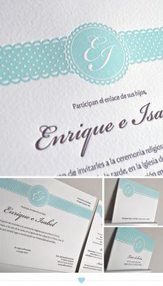 Delicada invitación de bodas de Lovely Paper #invitaciondebodas #weddinginvitations #tendenciasdebodas