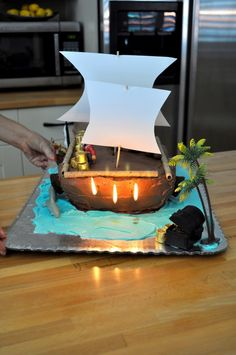 an eye for pretty - awesome DIY pirate cake