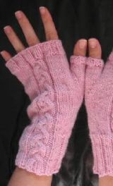 After posting the crochet fingerless gloves pattern, I got a few requests for a knitting pattern. There's a bunch of great fingerless knitting patterns on Crochet Mittens, Mittens Pattern, Crochet Gloves, Baby Knitting Patterns, Knitting Yarn, Hand Knitting, Knitting Machine, Hat Patterns, Knitting Needles