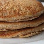 Paleo almond meal pancakes...Contienen mucho menos carbohidratos, minima azucar y utiliza ghee en vez de la dañina butter o margarine.