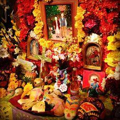 DIA DE LOS MUERTOS/DAY OF THE DEAD~ofrenda::offering altar