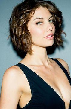 Solo Lauren Cohan puede hacer que matar zombies y vivir llena de sangre sea tan sexy