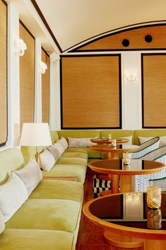 Grand Cayman hotel Palm Heights is like a 1970s Caribbean mansion. Hotel Reception Desk, Reception Desk Design, Pub Design, Restaurant Design, Cafe Seating, Green Sofa, Contract Furniture, Sofa Upholstery, Hotel Interiors