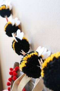 Bee Mine Valentine Tote Bag - Bee Pom Pom Garland The Effective Pictures We Offer You About easy crafts A quality picture can te - Diy And Crafts, Crafts For Kids, Easy Crafts, Felt Crafts, Diy Girlande, Pom Pom Garland, Pom Poms, Pom Pom Crafts, Bee Theme