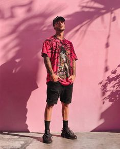 Rate this killa FIT ! by - Style bestpin Summer Outfits Men, Stylish Mens Outfits, Men Summer, Stylish Man, Simple Outfits, Mode Streetwear, Streetwear Fashion, Men Looks, Black Ripped Denim Shorts