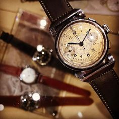 REPOST!!!  Flexible lug  National Watch with Landeron39 It's 1940's vintage watch‼️ #vintage #antique #vintagewatch #antiquewatch #chronograph #1940s #watch #photo #photography #ヴィンテージ #アンティーク #ヴィンテージウォッチ #アンティークウォッチ #腕時計 #写真 #写真好きな人と繋がりたい #写真撮ってる人と繋がりたい #originaldial #vintagechronograph #nationalwatch #flexiblelugs #ヴィンテージクロノグラフ #クロノグラフ #可動ラグ #フレキシブルラグ  Photo Credit: Instagram ID @adieu1