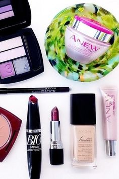 Anew Vitale and True Color plum eyeshadow give me bright eyes and a #nofilter-needed glow in five minutes!  #ANEWYou  #AvonRep