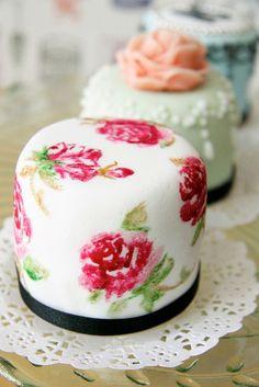 Mini tartas como detalles para bodas con inspiracion vintage | Vintage Inspired Mini Cakes by Bake-a-boo Cakes NZ 1