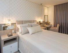 Boa noite com esse quarto liindo! ❤️ Projeto por @jessicamaylara.interiores