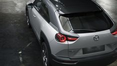 Mazda isn't kidding around anymore when it comes to electric vehicles, unveiling a new production model EV in Tokyo. The new Mazda is a two-and-a-half-door crossover-style compact that will be produced for several world markets. Turbine Engine, Luxury Crossovers, Tokyo Motor Show, Nissan Leaf, Mazda Mx, Fender Flares, Sport Body, Japanese Cars, Cars