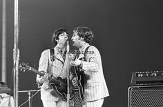 The Beatles Live, Eugene Smith, Shea Stadium, Nfl Football Games, Dramatic Photos, Photography Institute, Beatles Photos, Ringo Starr, Photo Essay
