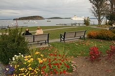 Bar Harbor, Maine....my new love. The perfect New England seaside town. Where I would love to retire.