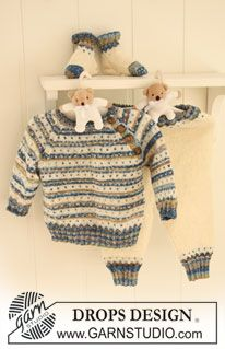 "Knitted DROPS jumper with stripes, dots and raglan, pants and socks in ""Fabel"". ~ DROPS Design"